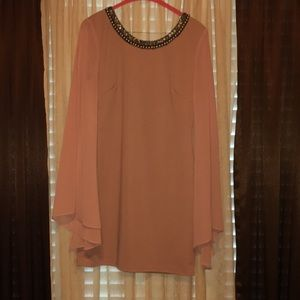 Coral/peach form fitting dress